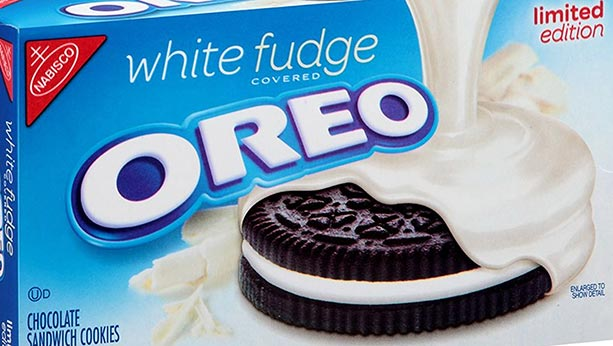 White fudge Oreo cookie box from 1990